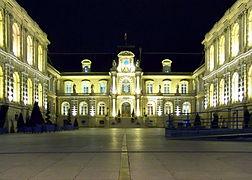 Amiens -  hôtel de ville de nuit